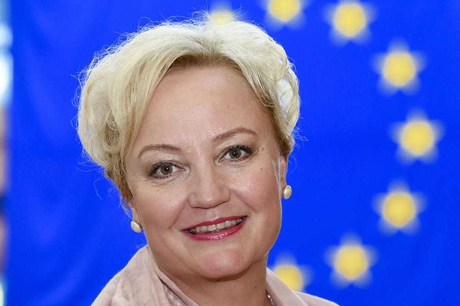 MEP Elsi Katainen vastaa